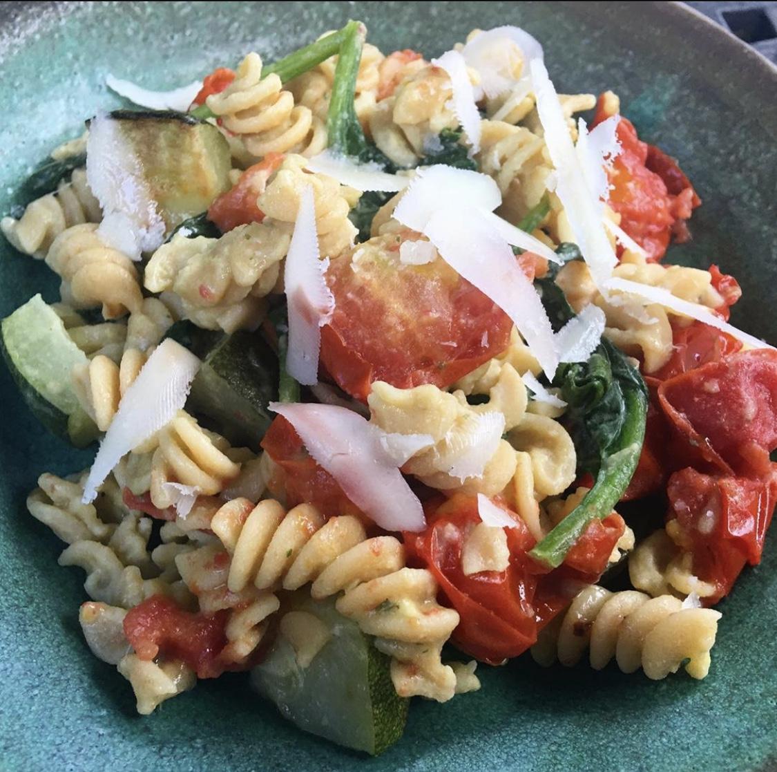 Pesto Hummus Pasta by Tessa's Eats Trazza Foods